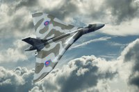 Vulcan XH588_ high climb_small.jpg